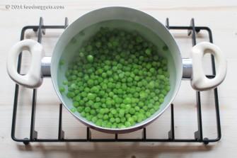 2. Lessa i piselli in acqua bollente salata
