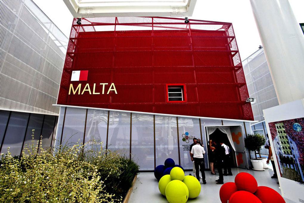 La facciata del padiglione di Malta in Expo