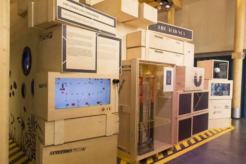 Stazione tematica sull'acidificazione delle acque nel padiglione del Principato di Monaco in Expo