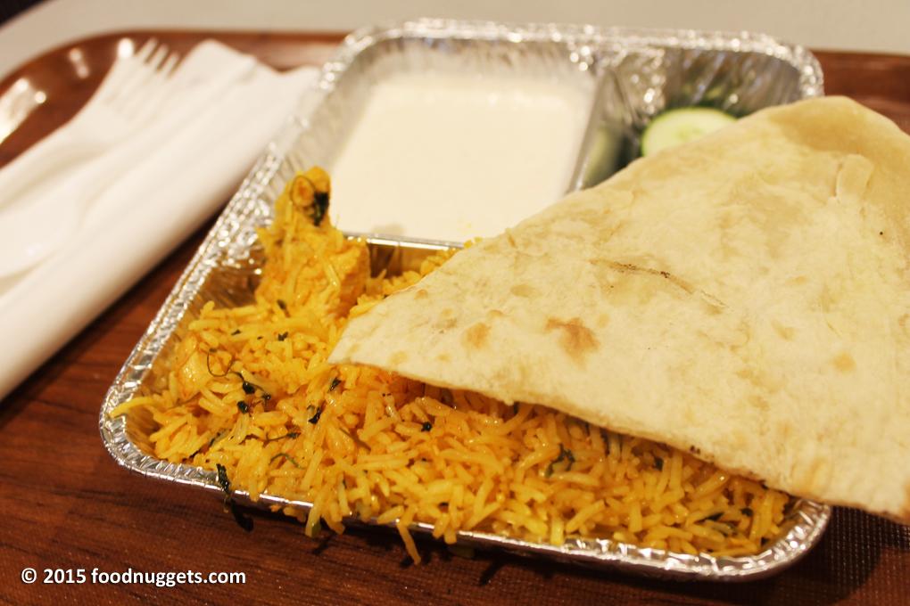 Set con pollo del ristorante indiano