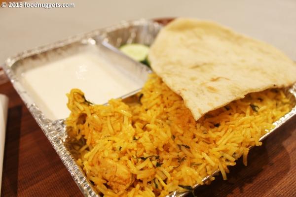 Set di pollo del ristorante indiano