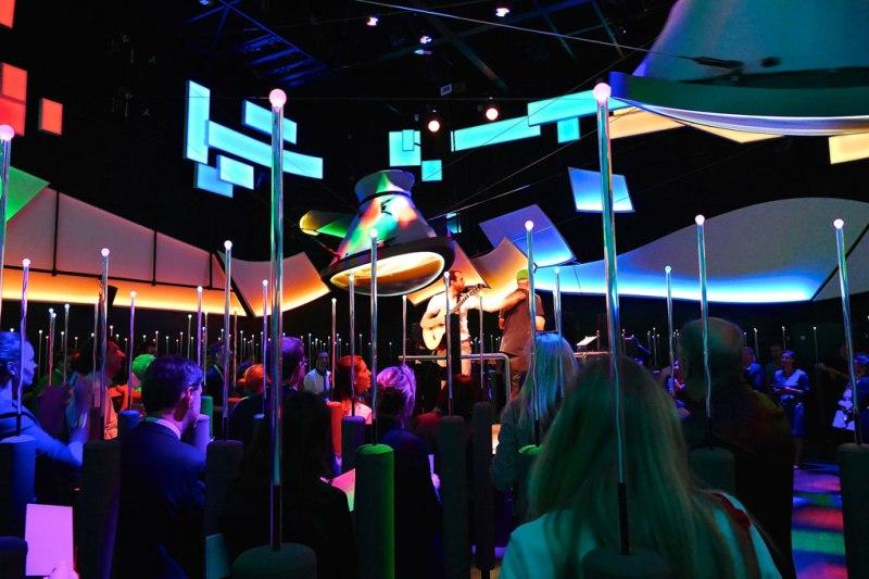"""Lo show """"be(e) active"""" nel padiglione tedesco in Expo"""