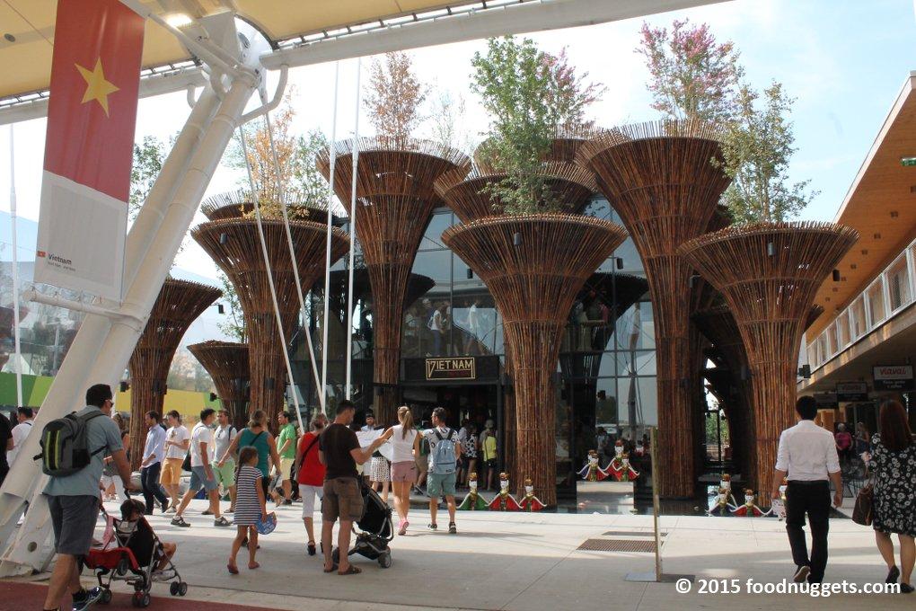 La facciata del padiglione del Vietnam in Expo Milano 2015