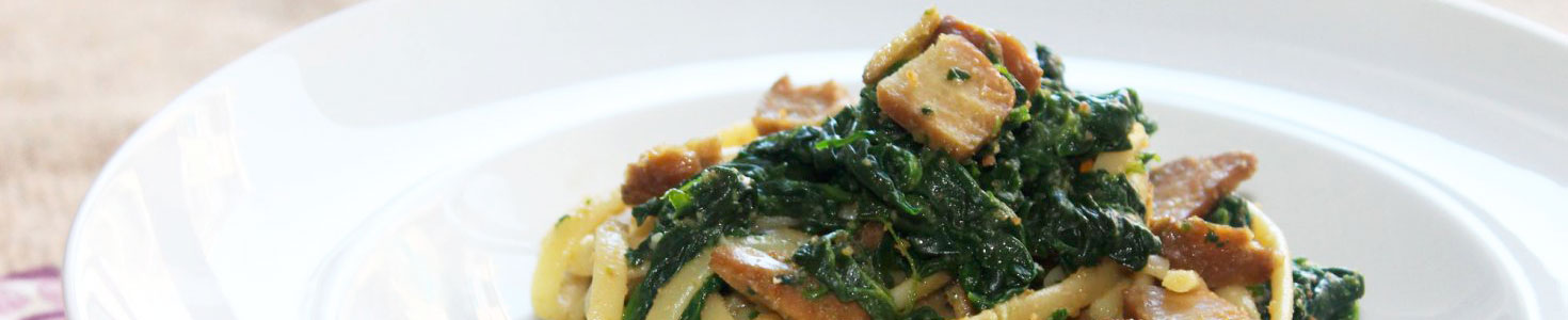 Linguine seitan e spinaci