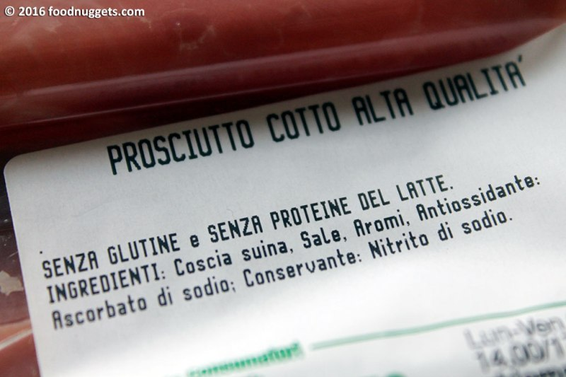 Etichetta di un prosciutto cotto senza proteine del latte